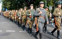 По Львову прошли вооруженные люди в форме УПА