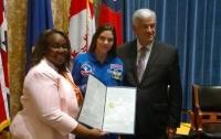17-летняя американка стала первым юным космонавтом