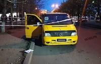 Вооруженные бандиты напали на водителя Mercedes: тот отобрал оружие и отстрелялся