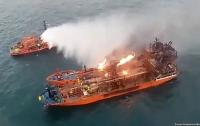 У берегов Крыма до сих пор горят танкеры с середины января