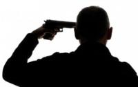 Мужчина застрелился около здания суда в Черниговской области