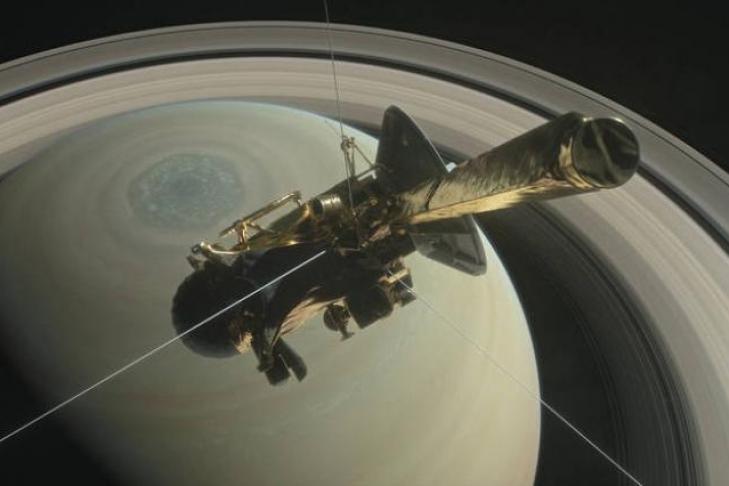 NASA получило последние кадры  Титана отзонда Cassini