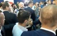 Бодигардов Зеленского обвинили в избиении беженки из Донецка