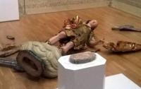 В Португалии любитель селфи разбил статую XVIII века