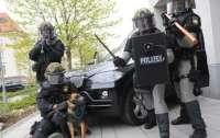 Немецким полицейским приказали усиленно охранять границу из-за главаря ливанской банды