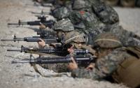 США приостановили две программы военных учений с Южной Кореей