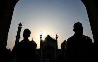 В Судане мужчина с ножом набросился на прихожан мечети: есть убитые