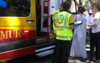 Испанская пара сыграла свадьбу в машине скорой помощи