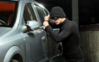 В Киеве пьяный работник автомойки угнал автомобиль телеведущей Оксаны Марченко