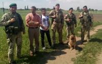 На границе с Польшей задержали группу иностранцев-нелегалов