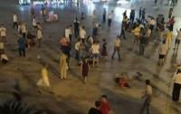 Водитель влетел на внедорожнике в толпу в Китае: 9 погибших, 46 пострадавших (видео)