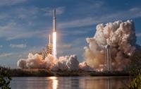 Ракета Falcon Heavy полетела на Марс (ВИДЕО)