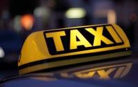 Вместо оплаты вооруженный одессит ограбил таксиста и угнал его машину