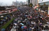 На улицы Гонконга с протестами вышли более миллиона человек