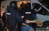 В Виннице рейдеры пытались захватить завод, задержаны 50 человек (видео)
