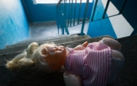 Горе-мать регулярно издевалась над 8-летней дочерью