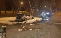 Харьков: автомобиль влетел в столб и мгновенно сгорел