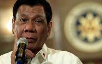Около кортежа президента Филиппин взорвали бомбу