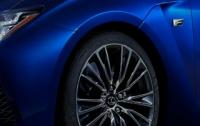 Lexus везет в Детройт «заряженную» новинку