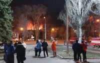 В Донецке случился пожар на предприятии (видео)