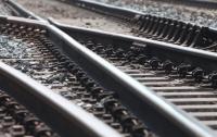 В Запорожской области поезд сбил девушку в наушниках