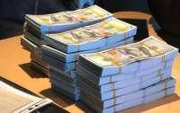 Студентка киевского колледжа привезла из Дубая почти $80 тысяч