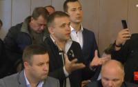 Во Львовской области активисты ворвались в ОГА, требуя отставки начальника полиции