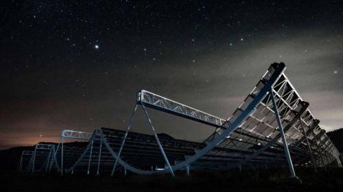 Астрономы обнаружили быстрые и регулярные радиоимпульсы от источника неизвестного происхождения