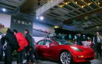 Tesla полностью перешла на онлайн-продажу