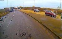 Жуткая авария: авто с пассажирами взлетело на 4 метра