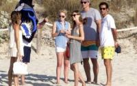Кличко, Тимошенко и Шуфрич нежатся на заграничных курортах (ФОТО)