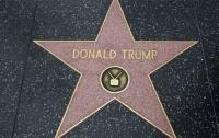 В Голливуде хотят полностью забрать звезду Трампа с Аллеи славы