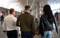 В Киеве задержали банду элитных сутенерок (видео)