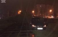 Пьяная автоледи на Daewoo чуть не влетела в танк