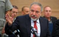 Либерман потребовал срочно созвать комиссию Кнессета по иностранным делам и обороне
