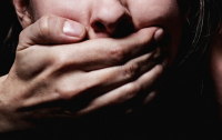 Под Харьковом мужчина изнасиловал знакомую и заявил в полицию