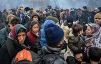 На границе Турции и Греции мигранты подрались с полицией