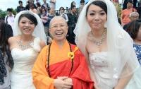 На Тайване впервые поженились… две женщины