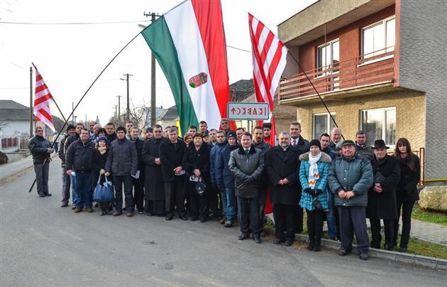 Мы сыты по горло: Закарпатье требует немедленную автономию у Порошенко