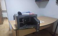 В Харькове из квартиры чиновника ГПУ воры унесли сейф с оружием, - СМИ