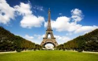 В Париже закрыли Эйфелеву башню