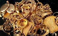На Киевщине в магазинах обнаружили 120 кг контрабандных золотых украшений