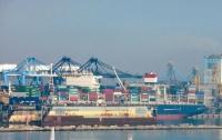 Под Одессой американское судно разгромило причал