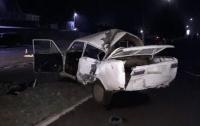 Смертельное ДТП на Винничине: ВАЗ врезался в столб