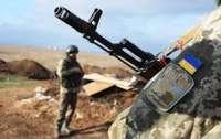 Ранен украинский боец на фронте
