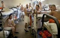В США из тюрем амнистируют 6 тыс. заключенных