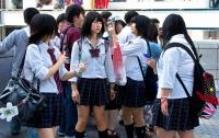 В Японии девушка подала в суд на школу, где ее заставляли красить волосы