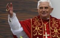Бенедикт XVI впервые пустил цыган в Ватикан