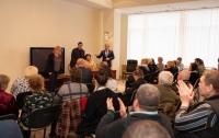 Новинский с коллегами встретились с семьями погибших в Одессе 2 мая