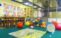 В украинские офисы мамочки могут уже приходить работать с детьми
